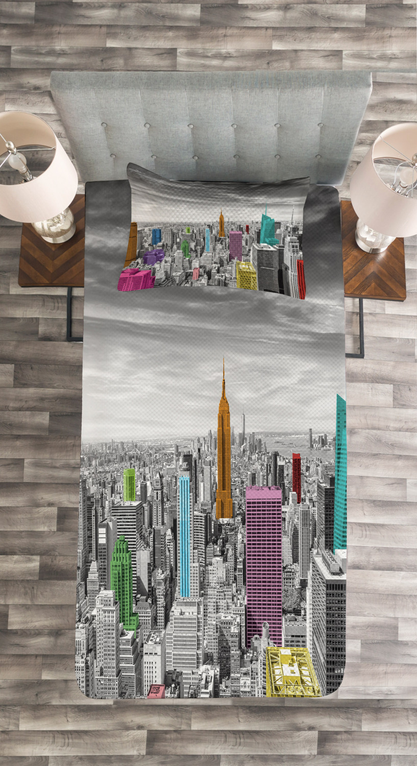 New York Quilted Bedspread /& Pillow Shams Set Cityscape Architecture Print