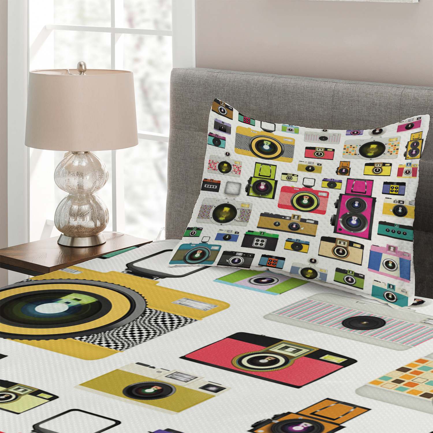 Vintage Old Cameras Print Details about  /Colorful Quilted Coverlet /& Pillow Shams Set