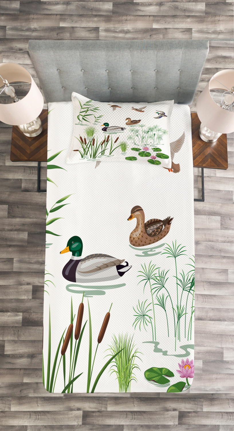 Lake Animals Plants Print Duck Quilted Bedspread /& Pillow Shams Set