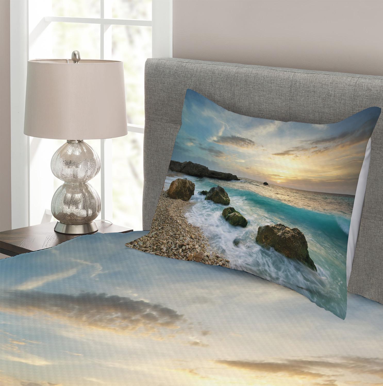 Caribbean Seascape Waves Print Ocean Quilted Bedspread /& Pillow Shams Set