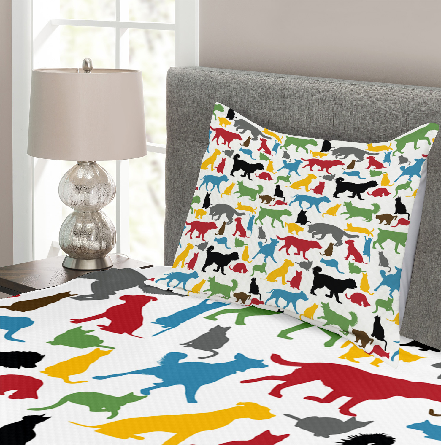 Dog Cat with Presents Print Christmas Quilted Bedspread /& Pillow Shams Set