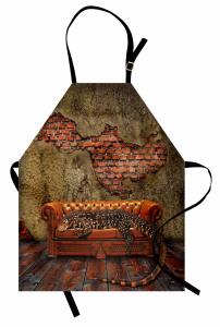 Divanda Uzanan Ejder Mutfak Önlüğü Tuğla Duvar