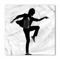 Dansçının Beyaz Tişörtü Bandana Fular