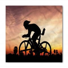Bisiklete Binen Genç Bandana Fular