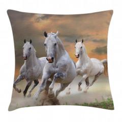 Koşan Atlar Yastık Kırlent Kılıfı