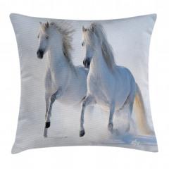 Karda Koşan Beyaz Atlar Yastık Kırlent Kılıfı