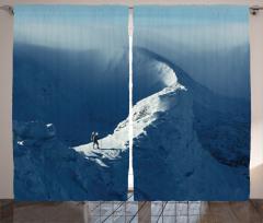 Karda Yürüyen Yalnız Dağcı Temalı Fon Perde