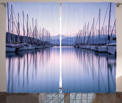 Marinadaki Yelkenliler Fon Perde Simetrik