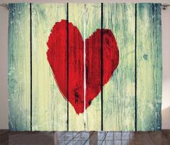 Kalp Ahşap Etkili Fon Perde Kırmızı Kalp Ahşap Etkili