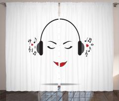 Müzik Dinleyen Kız Fon Perde Beyaz NotaMelodi