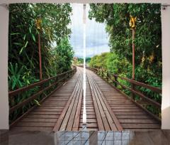 Doğada Yolculuk Temalı Fon Perde Ahşap Köprü Yeşil