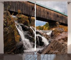 Çağlayan ve Köprü Fon Perde Eski Ahşap Köprü