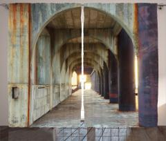 Antik Temalı Fon Perde Kahverengi Sütun Koridor