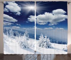 Bulutlar ve Karlı Ağaç Fon Perde Gün Doğumu Beyaz