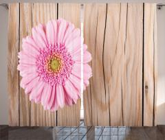 Pembe Çiçek ve Ahşap Fon Perde Bej Fonlu