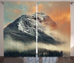 Sisli Karlı Dağlar Fon Perde Bulutlu Gökyüzü