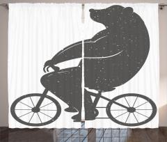 Bisiklete Binen Ayı Fon Perde Siyah Beyaz