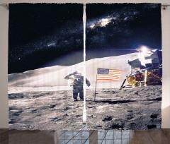 Şık Ay ve Astronot Fon Perde ABD Bayraklı
