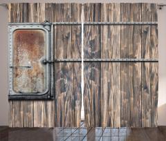 Ahşap Duvarın Metal Kapısı Fon Perde Country Tarzı