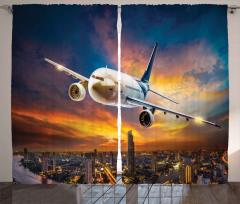 Yolcu Uçağı ve Gökdelen Fon Perde Bulutlu
