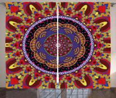 İç İçe Renkli Mandala Fon Perde Geometrik