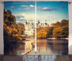 Londra'da Sonbahar Fon Perde Ağaçlar ve Gökyüzü