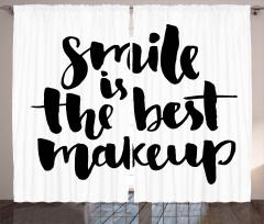 Gülmek En Güzel Makyajdır Fon Perde Siyah Beyaz