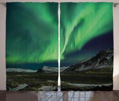 Tepedeki Kuzey Işıkları Fon Perde Gece Dağ Kar