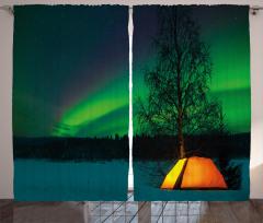 Çadırda Gökyüzüne Bakış Fon Perde Yeşil Gökyüzü