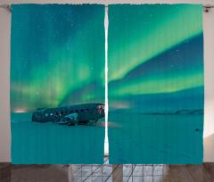 Karlı Sahildeki Uçak Fon Perde Kuzey Işıkları
