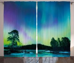 Ağaçlar ve Kuzey Işığı Fon Perde Yeşil Gökyüzü