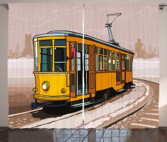 Karlı Raydaki Sarı Tramvay Fon Perde Dekoratif