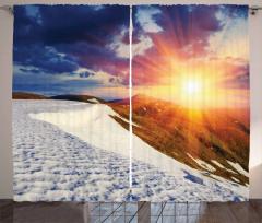 Karlı Dağ ve Gökyüzü Fon Perde Bulut Lacivert