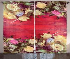 Romantik Çiçek Desenli Fon Perde Kırmızı Ahşap
