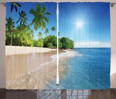 Kumsalda Güneşli Bir Gün Fon Perde Palmiye Deniz
