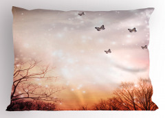 Gökyüzü ve Kelebek Yastık Kılıfı Romantik