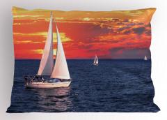 Gün Batımı ve Yelkenli Yastık Kılıfı Bulutlu
