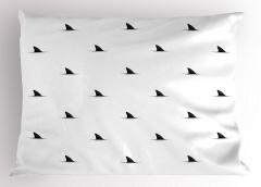 Köpek Balığı Yüzgeci Yastık Kılıfı Siyah Beyaz
