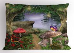 Büyülü Orman Temalı Yastık Kılıfı Kelebek Mantar