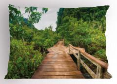 Doğada Yolculuk Temalı Yastık Kılıfı Yeşil Orman
