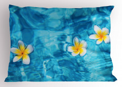 Sudaki Çiçek Temalı Yastık Kılıfı Doğada Huzur Mavi