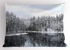 Karlı Ağaç Göl Temalı Yastık Kılıfı Kış ve Doğa