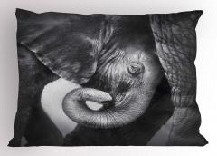 Fil ve Yavrusu Temalı Yastık Kılıfı Siyah ve Beyaz