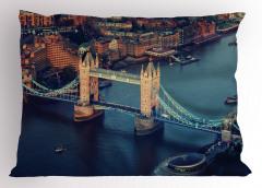 Nehir ve Antik Köprü Yastık Kılıfı Londra