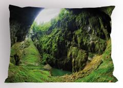 Güneş Işığı ve Mağara Yastık Kılıfı Yeşil