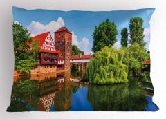 Nehirdeki Ahşap Ev Yastık Kılıfı Nehirde Ahşap Ev