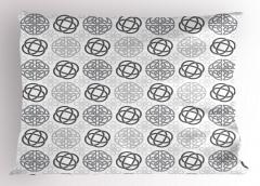 Gri Geometrik Desenli Yastık Kılıfı Beyaz Arka Planlı