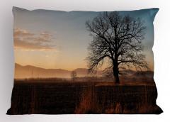 Gün Batımı ve Ağaç Yastık Kılıfı Gün Batımında Ağaç Doğa