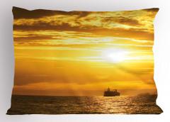 Gün Batımı Temalı Yastık Kılıfı Deniz Gemi Turuncu