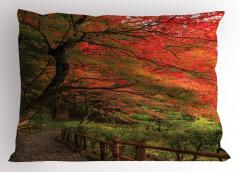 Turuncu Yapraklı Ağaç Yastık Kılıfı Doğada Huzur
